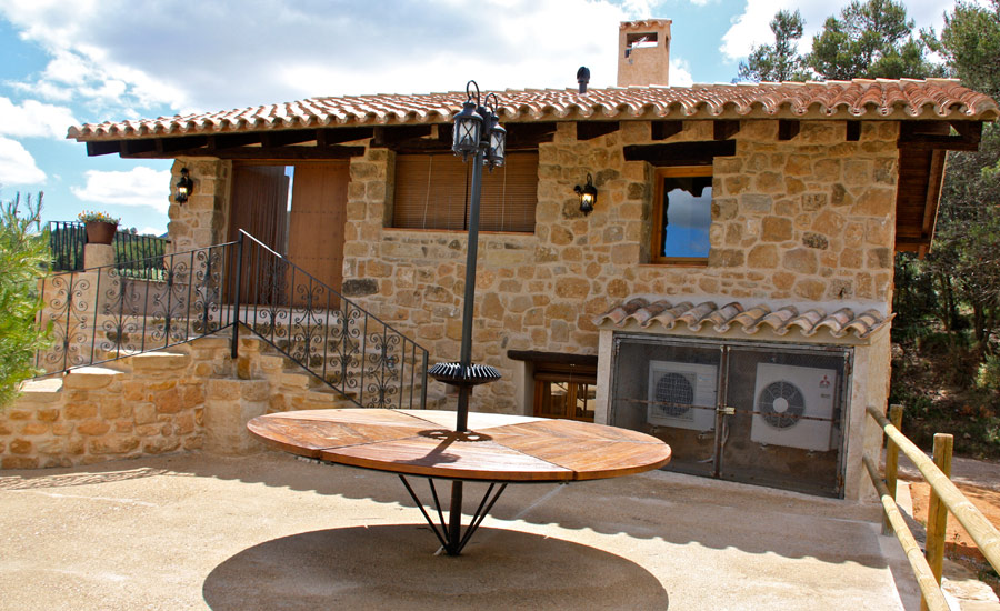 Fachada de piedras casa rustica fachadas casas rusticas for Fachadas de terrazas rusticas
